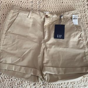 Gap girlfriend chino short